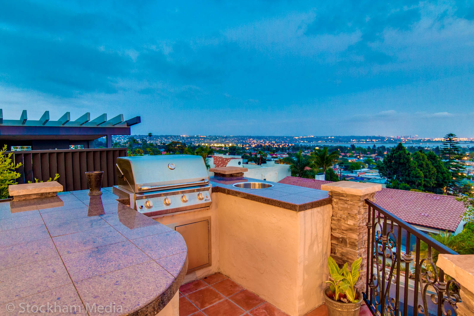 1_twilight_real_estate_photography_ocean_view_san_diego_7