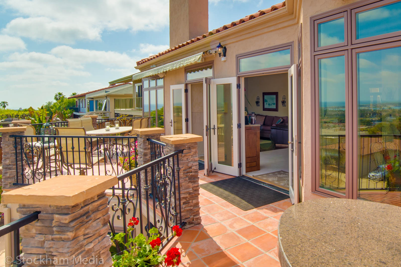 real_estate_photography_ocean_view_san_diego_balcony_1
