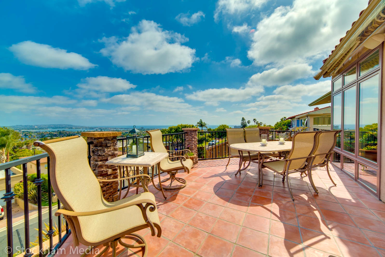 real_estate_photography_ocean_view_san_diego_balcony_2