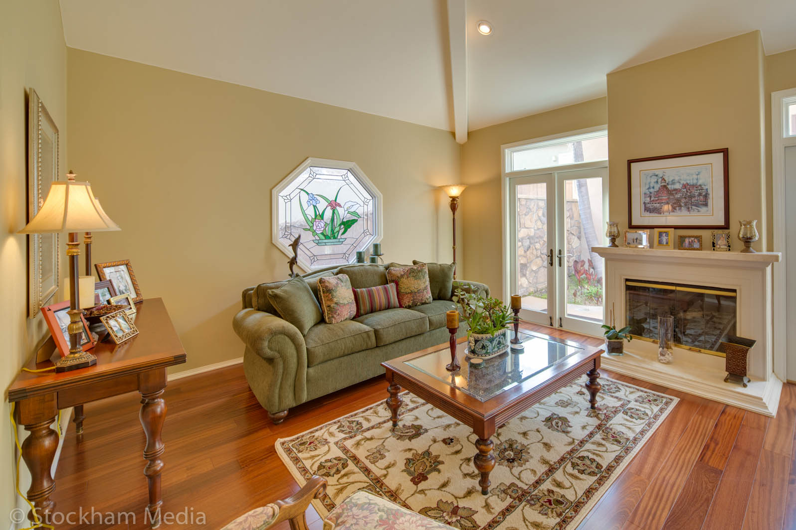 real_estate_photography_san_diego_family_room_2