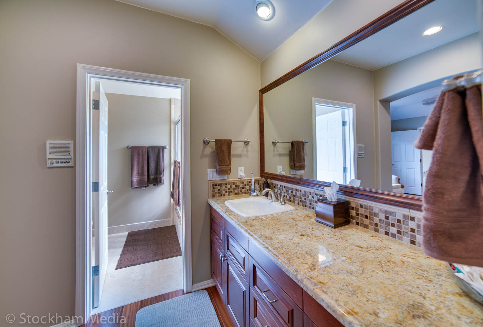 san_diego_real_estate_photography_bathroom