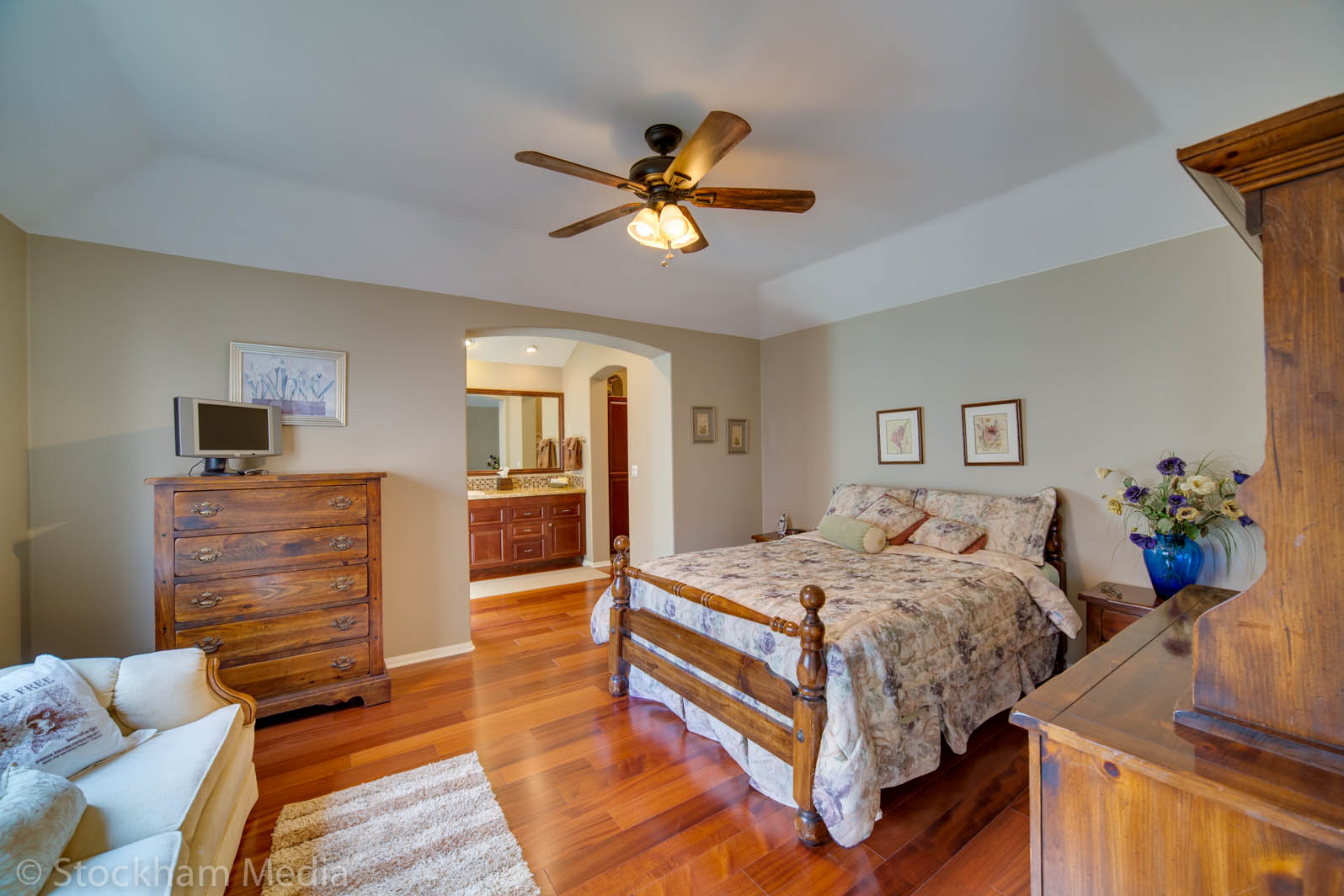 san_diego_real_estate_photography_bedroom_2
