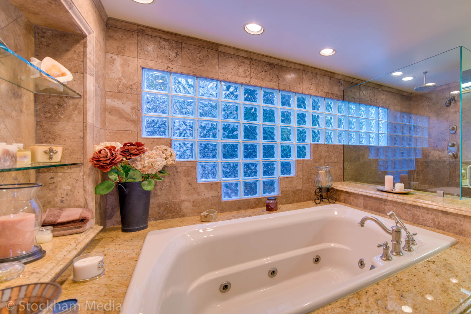 san_diego_real_estate_photography_master_bathroom_2
