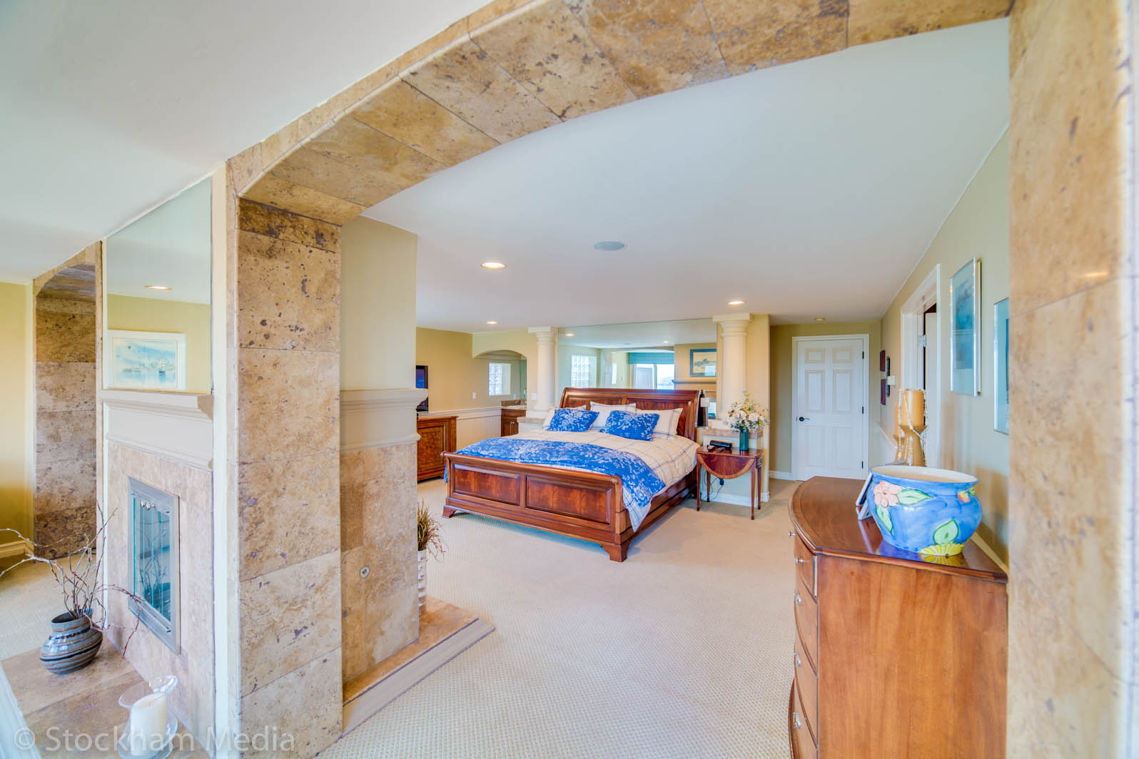 san_diego_real_estate_photography_master_bedroom_1