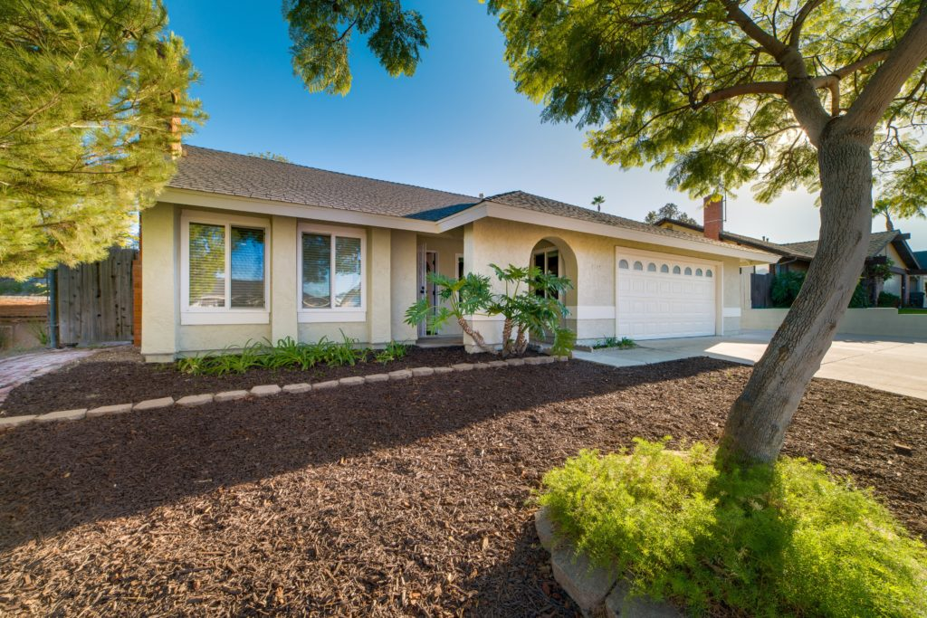 6-real-estate-listing-photography-oceanside-california-house-front-0001